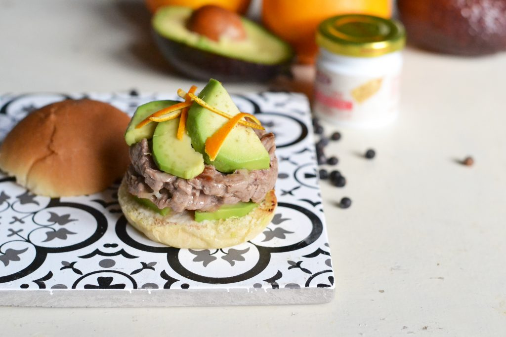 cheeseburger con avocado