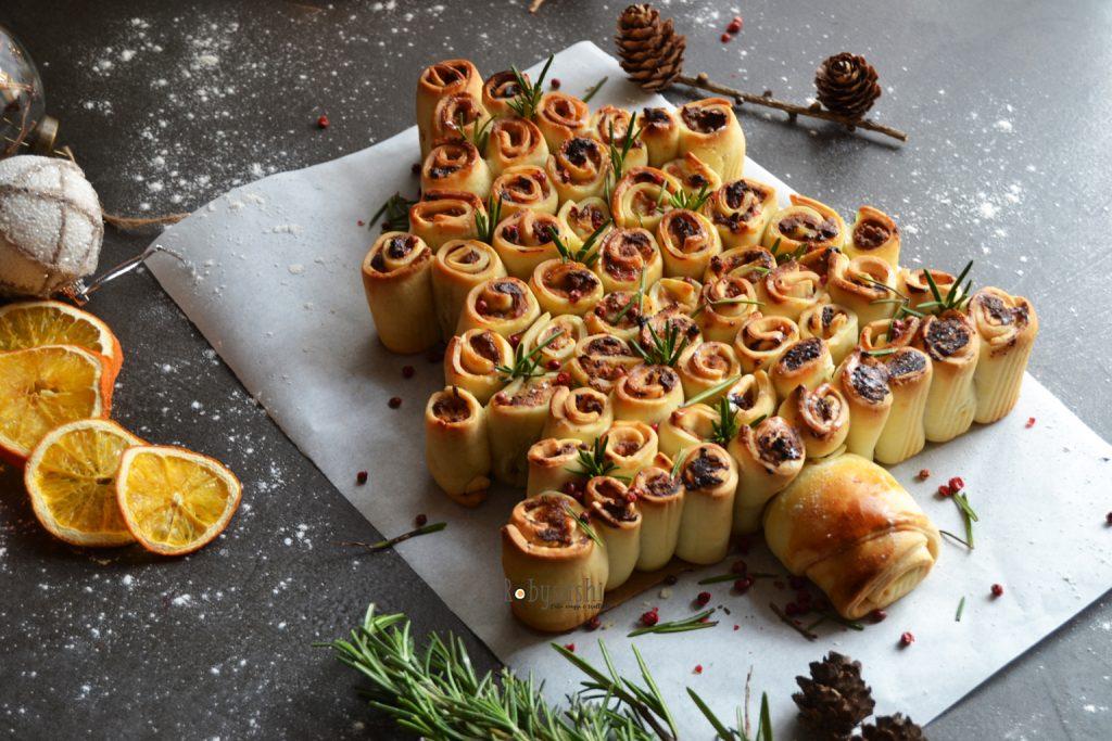 Albero di Natale di pasta brisè